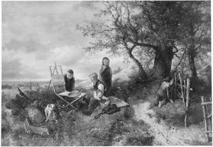 Kinderen een doek beschilderend op een schildersezel terwijl de schilder wegloopt