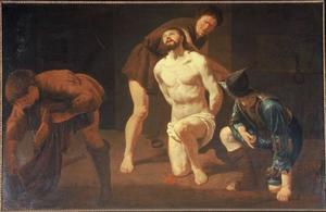 Soldaten treffen voorbereidingen voor de geseling van Christus