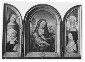 Vrouwelijke heilige met stichtster (links), Maria met kind (midden), de H. Elisabeth van Thüringen met stichtser (rechts) (op de buitenzijden van de luiken: Johannes de Evangelist (links); Maria Magdalena (rechts))