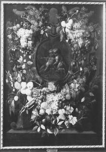 Vruchten rond cartouche met daarin een voorstelling van Christus en Johannes de Doper als kinderen