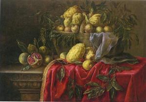 Stilleven met citrusvruchten en granaatappels in een rieten mand