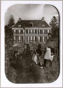 Groepsportret met Hillegonda Anna Agnes Sophia Hendrika van Rechteren (1794-1869) met op de achtergrond kasteel Appeltern