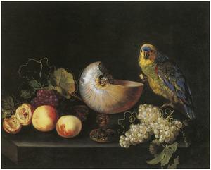 Stilleven met vruchten, een nautilusbeker en een papegaai