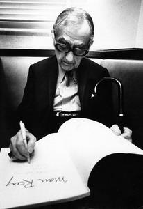 Portret van Man Ray