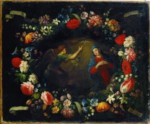 Bloemenkrans bevestigd aan vier linten rondom een voorstelling van de Annunciatie