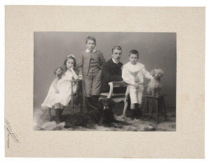 Portret van Willem Frederik Hendrik van Peski (1949-1934) en zijn kinderen uit zijn tweede huwelijk