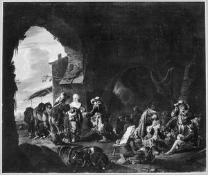 Rustende jagers en boeren op een overwelfde binnenplaats (de jager met hoed in de hand is een vrouw in mannenkleren)