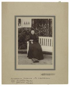 Portret van een vrouw, genaamd Edzardina Johanna Modderman (1823-1909)