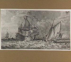 Hollandse oorlogsschepen op kabbelende zee