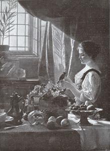 Jonge vrouw met vogel op de hand in een interieur