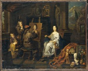 Atelier van een schilder met een vrouw die zich laat portretteren