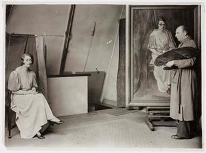 Johan Buning met actrice Tilly Lus in zijn atelier