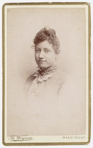 Portret van Louise Uijttenbroek
