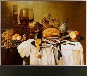 Stilleven met een ham, roemer, vruchten, een pasglas, een mosterdpot en een broodje