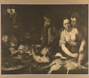 Een amoureus stel bij een keukenstilleven met vissen, schaal- en schelpdieren