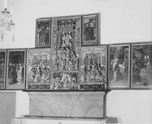 De tempelgang van Maria, het huwelijk van Maria en Jozef (binnenzijde linkerluik); De annunciatie (binnenzijde linker bovenluik); De visitatie (binnenzijde rechter bovenluik); De aanbidding der herders, de aanbidding der Wijzen, de besnijdenis, de dood van Maria (middendeel); De presentatie in de tempel, Christus' dispuut met de tempelgeleerden (binnenzijde rechterluik)