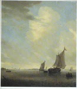 Weids rivierlandschap met zeilschepen en roeiboten
