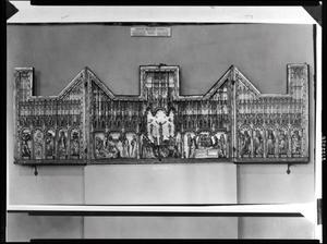 De HH. Joris, Maria Magdalena, Johannes de Evangelist, Catherina en Christoffel (binnenzijde linkerluik); De aanbidding der Wijzen, de kruisiging, de graflegging (middendeel); De HH. Antonius Abt, Margaretha, een mannelijke heilige met zwaard, Barbara en Josse (binnenzijde rechterluik)