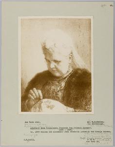 Portret van Adelheid Emma Wilhelmina Theresia van Waldeck Pyrmont