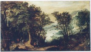 Boslandschap met reizigers en jagers