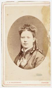 Portret van een vrouw genaamd Marie Jeanne Helene Muller (1873-1943)