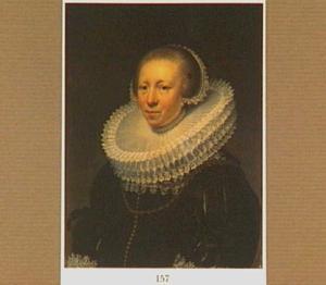 Portret van een 43-jarige vrouw met een molensteenkraag