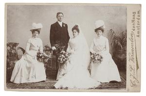 Groepsportret met Willem Charles Lanen (1874-1939) en Johanna Hendrika Maria van Zanten (1878-1960)