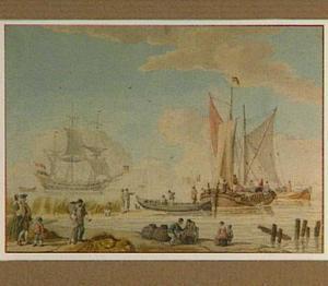 Strandgezicht met figuren en schepen