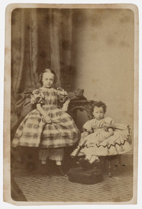 Portret van Carolina Frederika Werner (1857-1932) en Davina Adriana Werner (1860-1933)