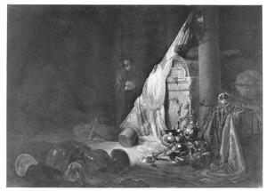 Figuur bij een graftombe, met een uitstalling van siervaatwerk, juwelen en wapens