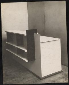 Bureau met boekenkast