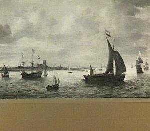 Driemaster en andere vaartuigen op de rede van een onbekende haven