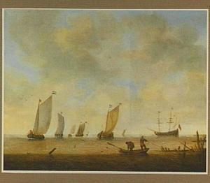 Vissers in een roeibootje, in de achtergrond verschillende zeilschepen op rustig water