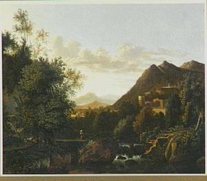 Zuidelijk berglandschap met waterval