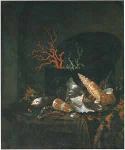 Stilleven met schelpen en een doos met koraal