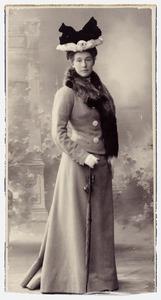 Portret van mw. Pauline Adrienne van Lennep (1869-1947)