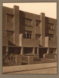 Huizen in Den Haag waaronder de praktijk van Dr. H. Rümke, circa 1935