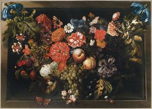Guirlande van bloem en vruchten in een nis
