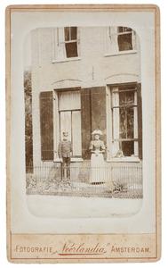 Portret van Willem Hendrik Joan van de Poll (1867-1921) en een vrouw, waarschijnlijk Anna Agatha Geertruida Gevaerts (1873-1941)