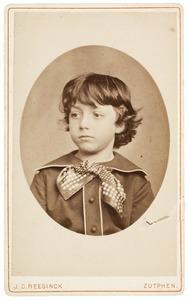 Portret van een jongen uit familie De Monchy