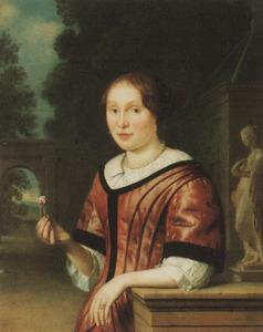 Portret van een vrouw die een roos vasthoudt, met een parklandschap op de achtergrond