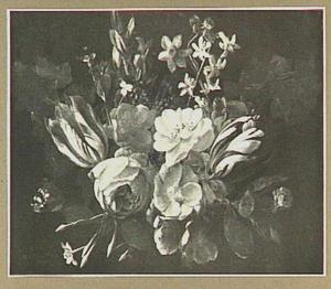 Guirlande van verschillende bloemen
