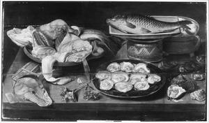 Visstilleven met karper en oesters