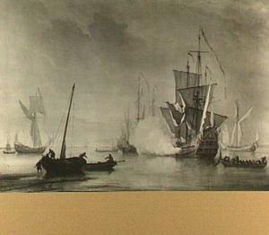 Een Engels 'sixth-rate' schip, twee koninklijke jachten en andere vaartuigen voor anker bij zonsondergang