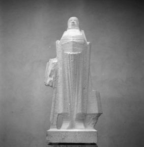 Het atelier van Jan Bronner aan de Rijksakademie met het beeld van Stastok Senior, figuur uit de Camera Obscura van Hildebrand