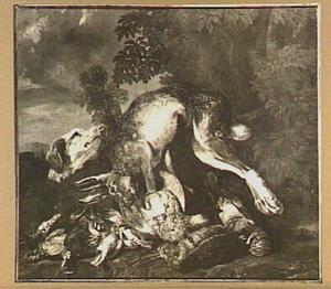 Jachtbuit van haas en gevogelte in een landschap; links een hond