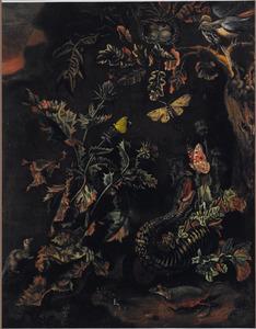 Bosgrond met een slang, hagedis, knaagdieren en vlinders bij een distel; een vogelnestje op een boomtak
