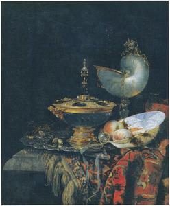 Stilleven met Holbeinschaal, bokaal, nautilusbeker en porseleinen schaal met vruchten