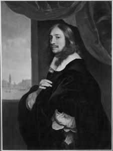 Portret van een onbekende man met een doorkijk op Venetië met het Dogenpaleis