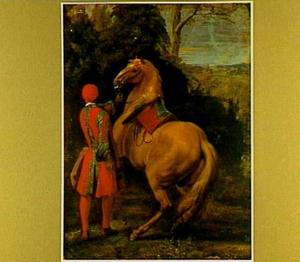 Een page, op de rug gezien, die een steigerend paard aan de teugels houdt